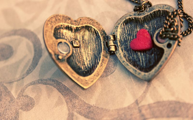 heart necklace jewelry red love mood wallpaper
