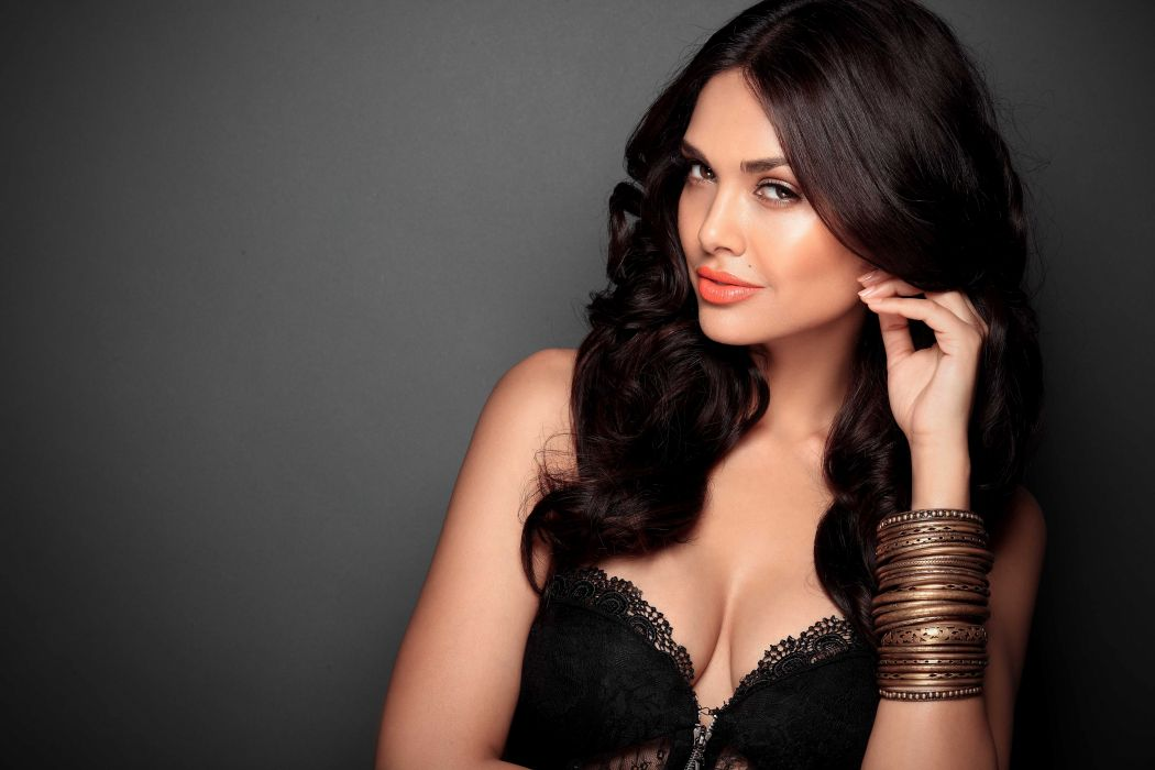Esha Gupta bollywood actress model girl beautiful brunette pretty cute beauty sexy hot pose face eyes hair lips smile figure indian  wallpaper
