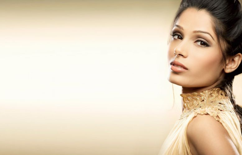 freida pinto bollywood actress model girl beautiful brunette pretty cute beauty sexy hot pose face eyes hair lips smile figure indian wallpaper