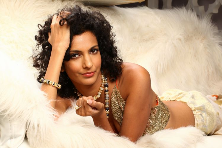 poorna jagannathan bollywood actress model girl beautiful brunette pretty cute beauty sexy hot pose face eyes hair lips smile figure indian wallpaper
