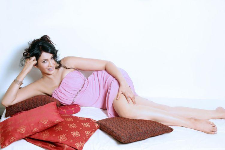kalpana pandit bollywood actress model girl beautiful brunette pretty cute beauty sexy hot pose face eyes hair lips smile figure indian wallpaper