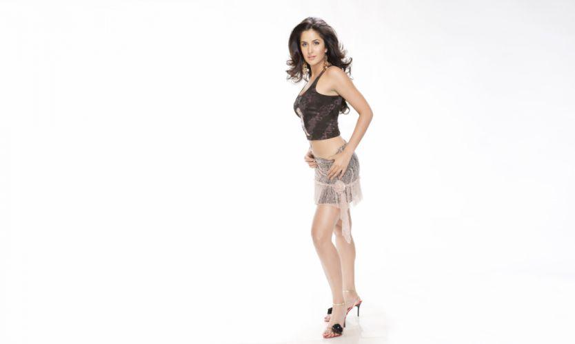katrina kaif bollywood actress model girl beautiful brunette pretty cute beauty sexy hot pose face eyes hair lips smile figure indian wallpaper