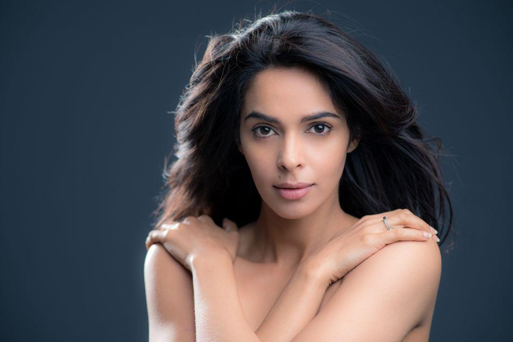 malika sherawat bollywood actress model girl beautiful brunette pretty cute beauty sexy hot pose face eyes hair lips smile figure indian  wallpaper