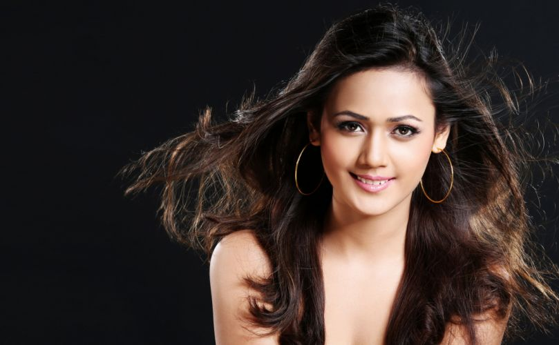 mansi thukral bollywood actress model girl beautiful brunette pretty cute beauty sexy hot pose face eyes hair lips smile figure indian wallpaper