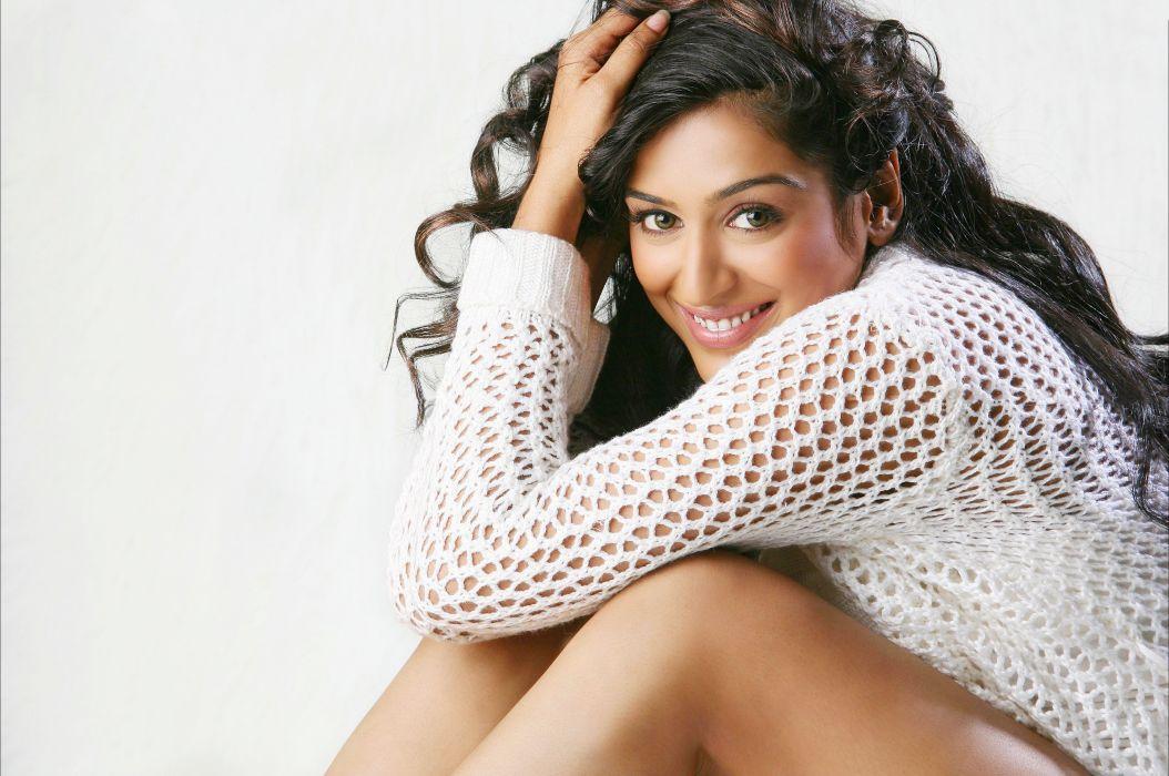 Padmapriya bollywood actress model girl beautiful brunette pretty cute beauty sexy hot pose face eyes hair lips smile figure indian  wallpaper