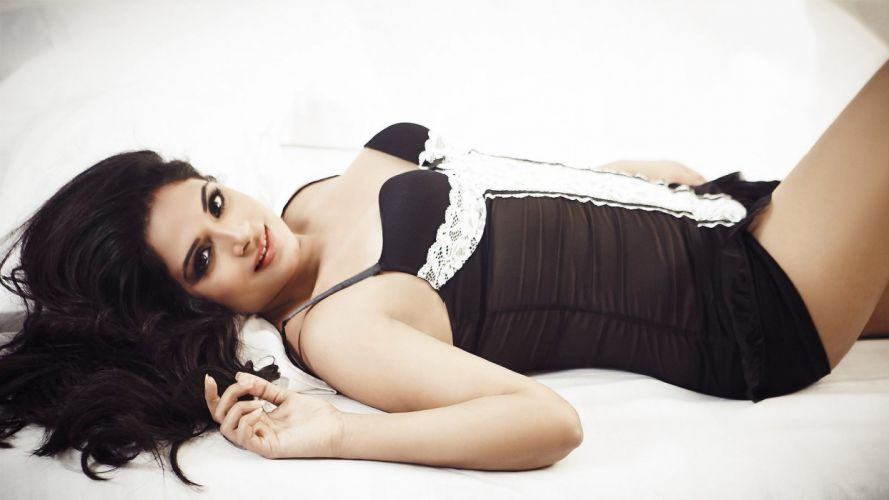 richa chadda bollywood actress model girl beautiful brunette pretty cute beauty sexy hot pose face eyes hair lips smile figure indian wallpaper