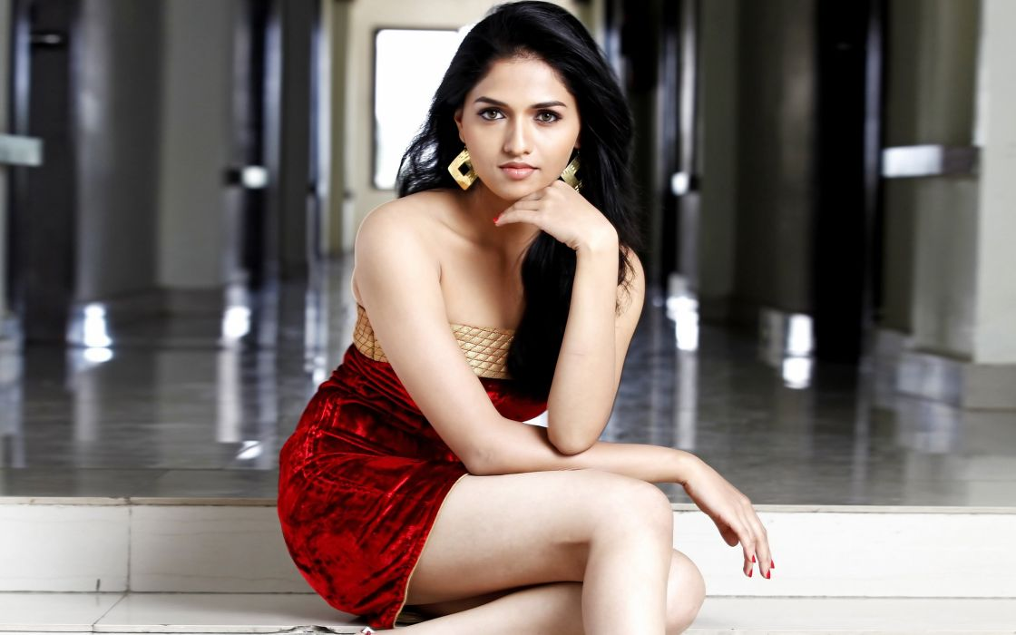 sunayana bollywood actress model girl beautiful brunette pretty cute beauty sexy hot pose face eyes hair lips smile figure indian  wallpaper