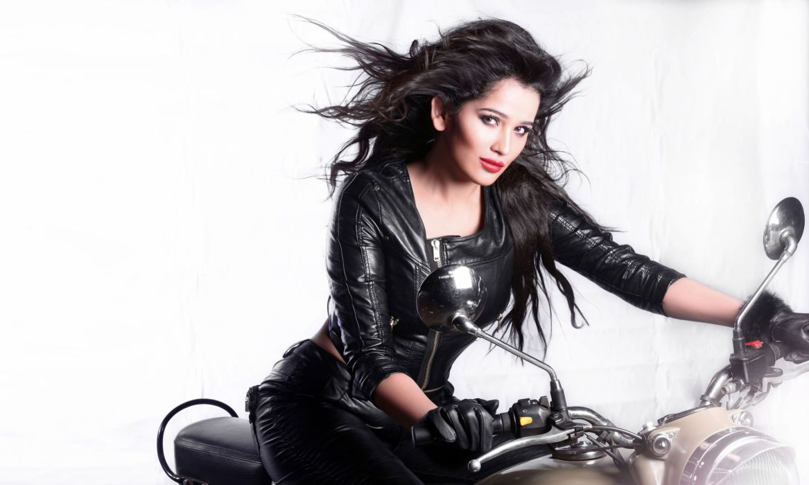 Sakshi Maggo bollywood actress model girl beautiful brunette pretty cute beauty sexy hot pose face eyes hair lips smile figure indian  wallpaper