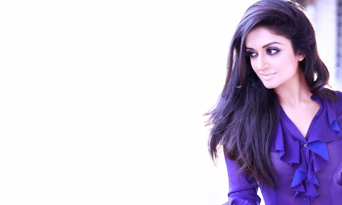 vimala raman bollywood actress model girl beautiful brunette pretty cute beauty sexy hot pose face eyes hair lips smile figure indian  wallpaper