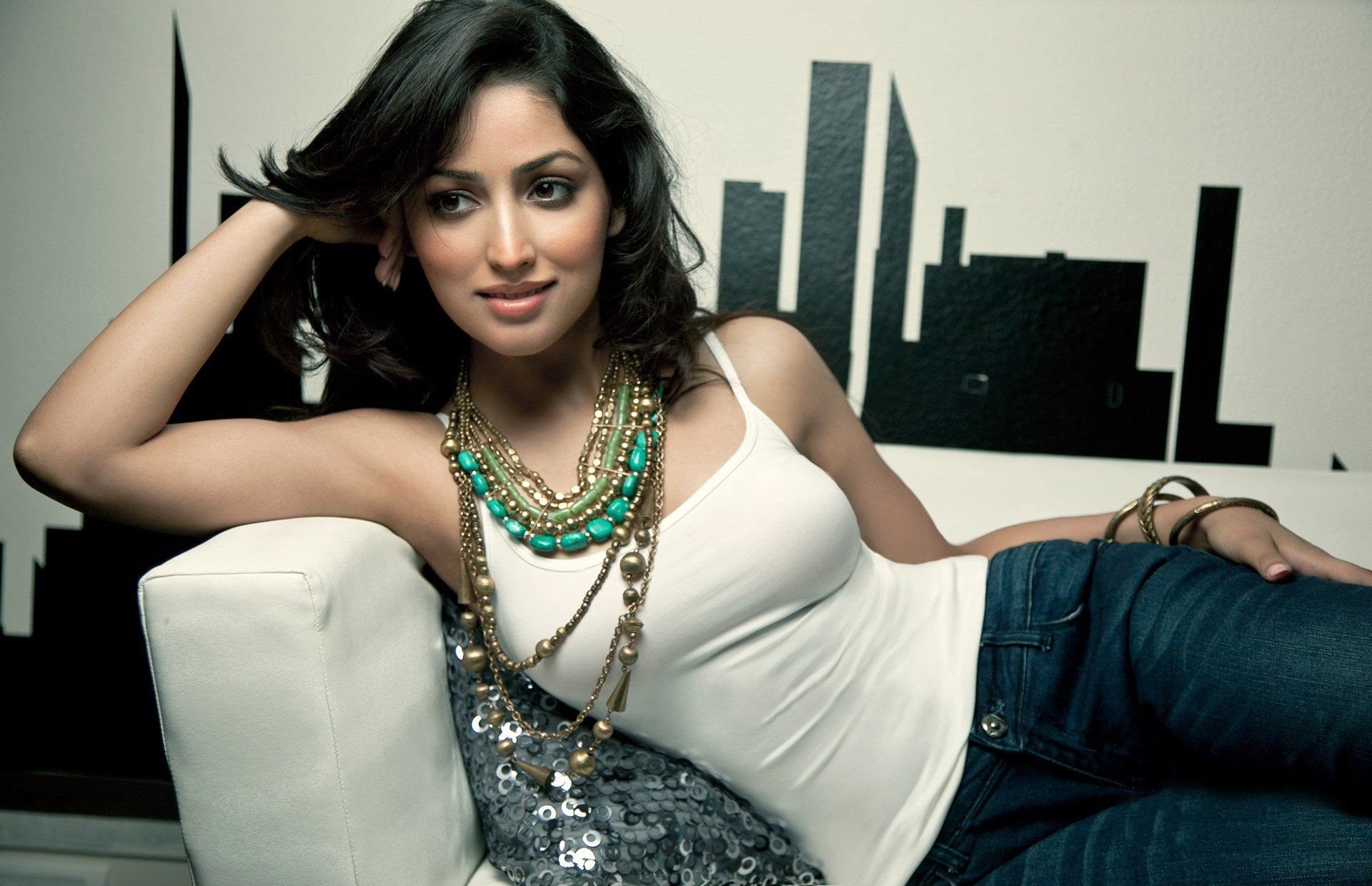 yami gautam bollywood actress model girl beautiful brunette pretty