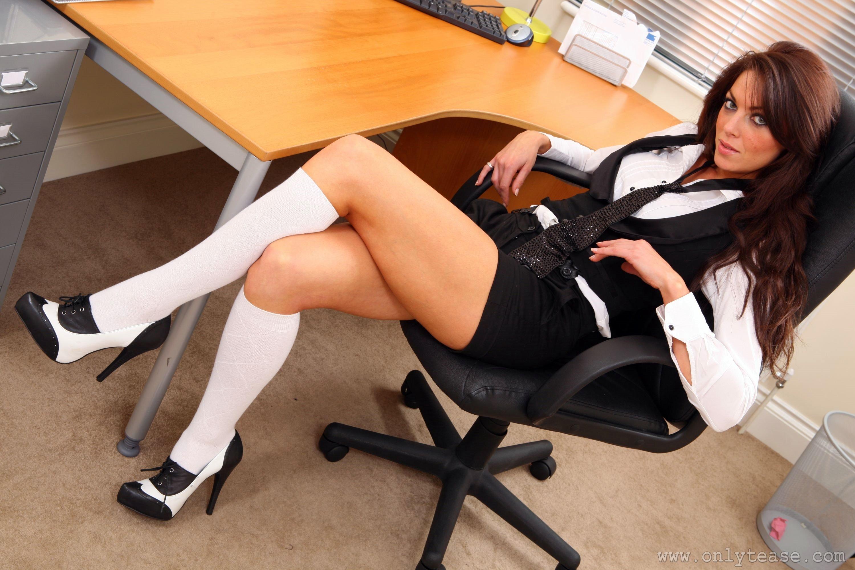 Секретарша в униформе 3 фотография