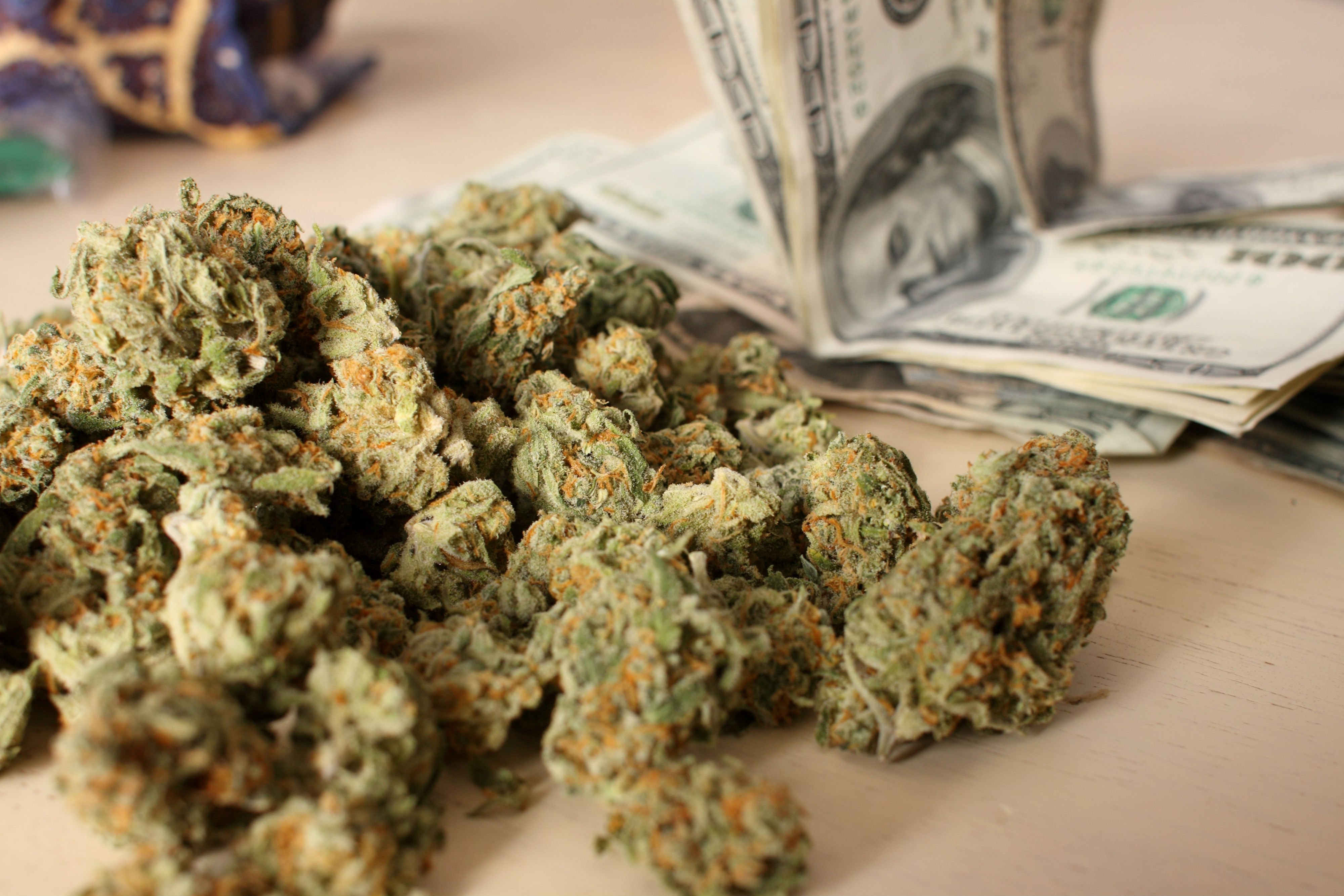 Group Of Weed Money Wallpaper