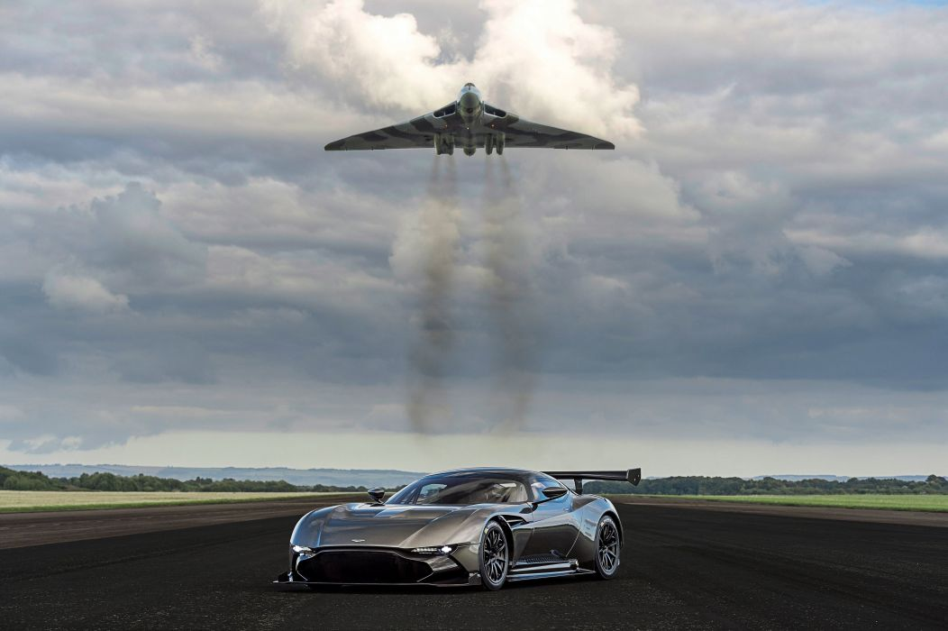 2016 Aston Martin Vulcan supercar wallpaper