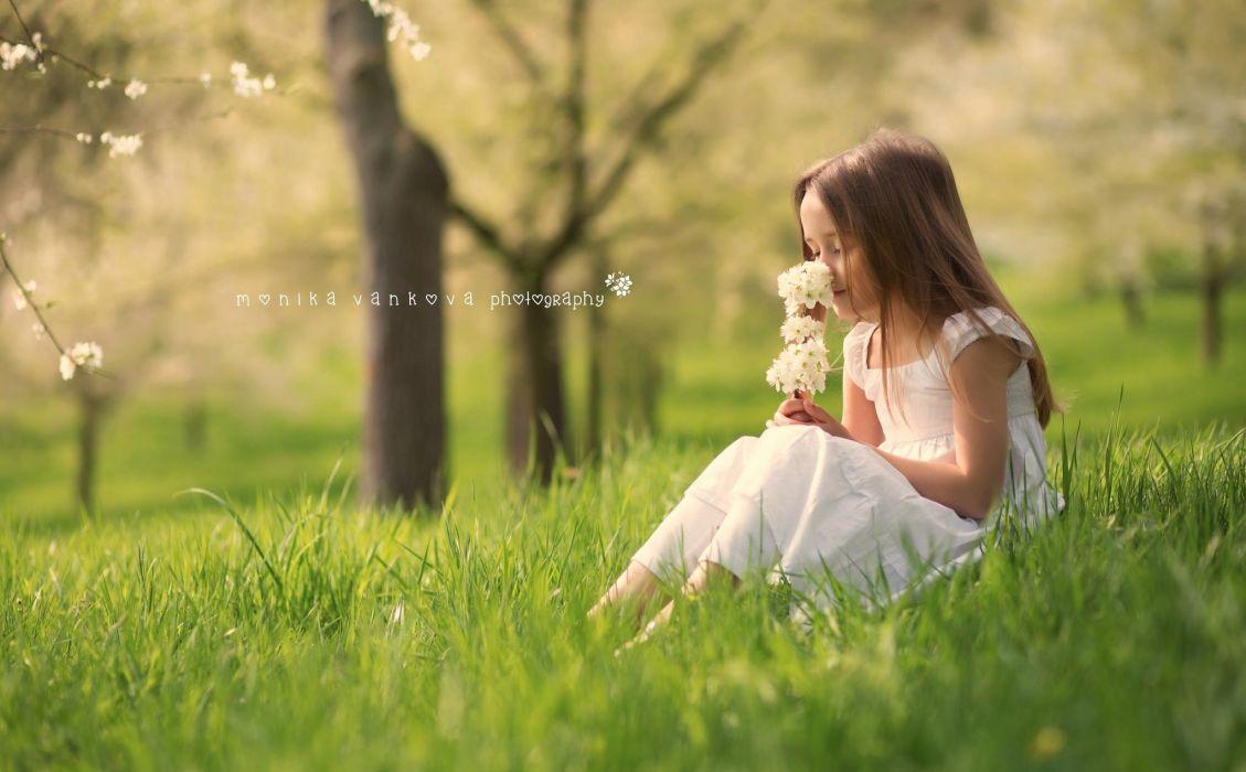 cute little girl forest children wallpaper | 2048x1270 | 816843