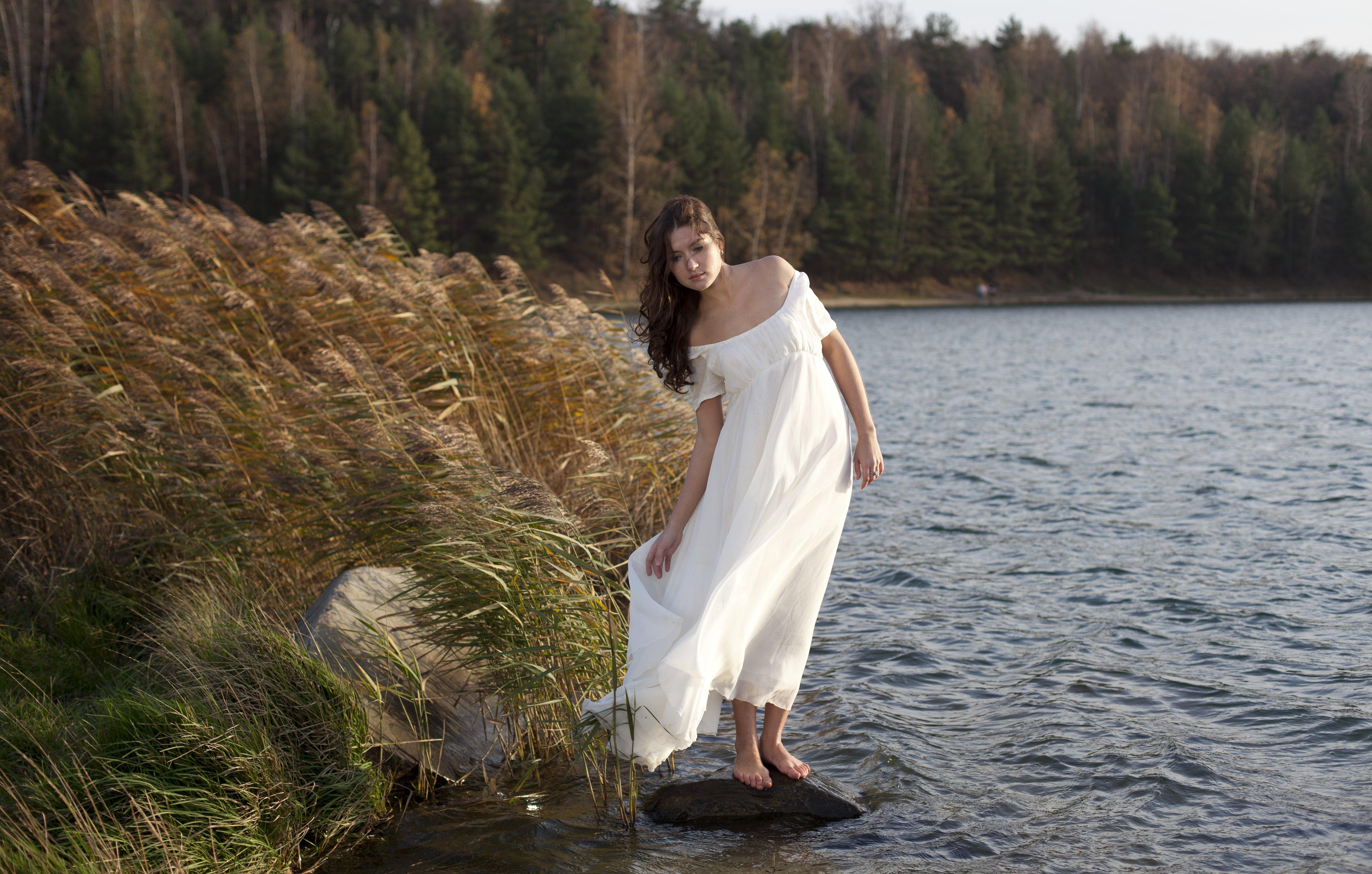Фото девушек на природе река 16 фотография