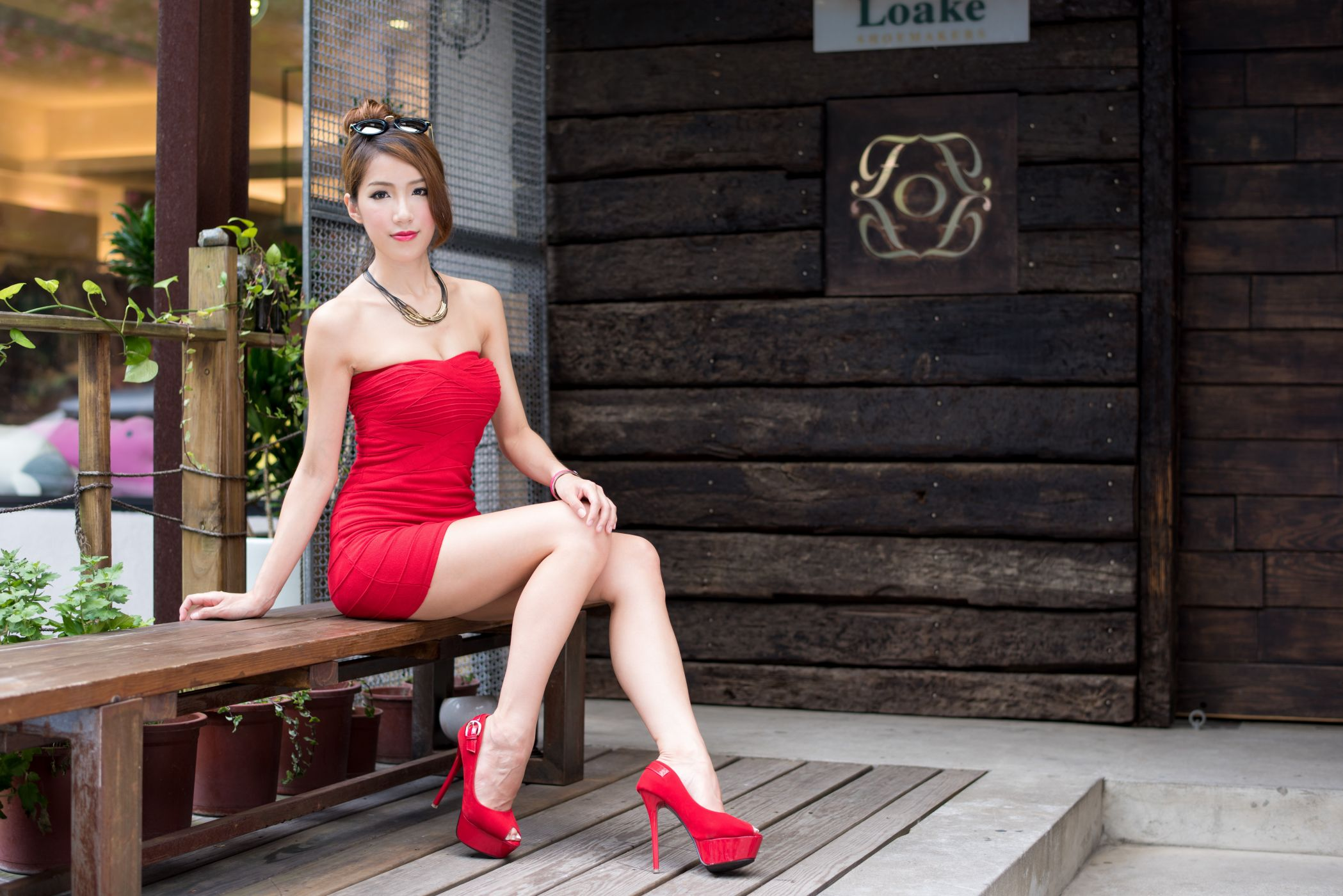 one-legged-asian-female-picture