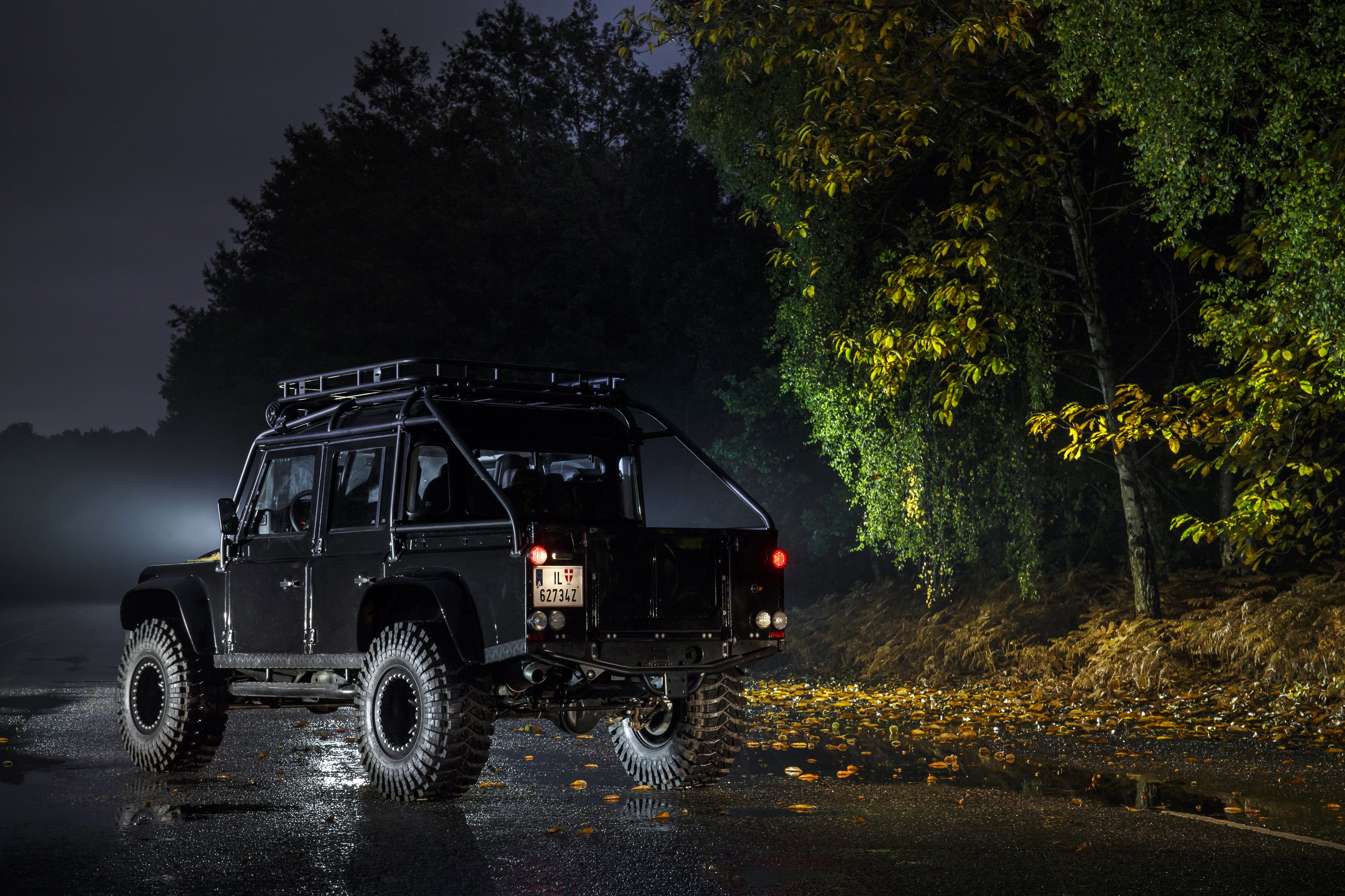 Land Rover Defender 110 007 Spectre cars 4x4 black movies ...