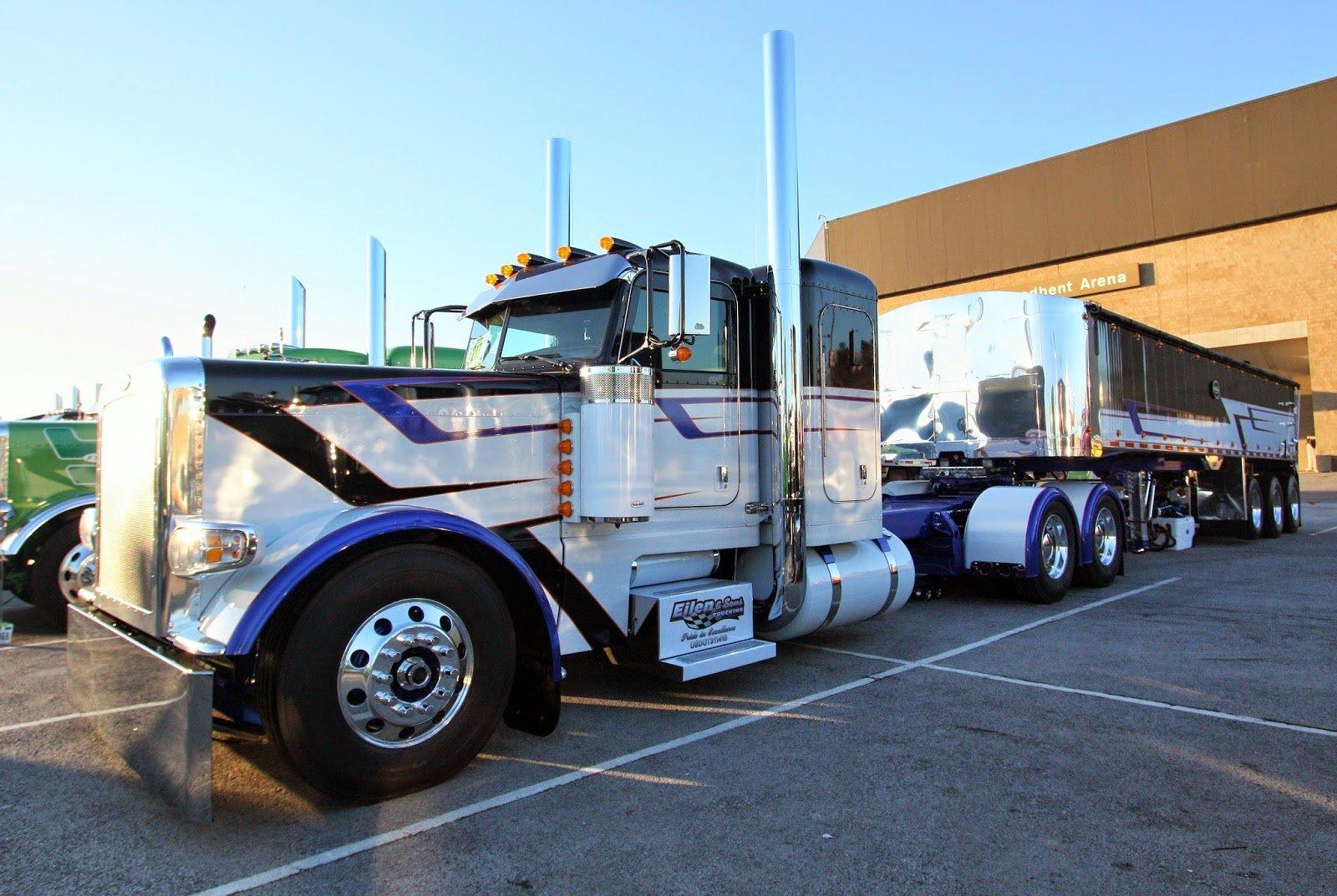 Eilen & Sons Trucking 2014 Peterbilt 389 pulling a 2013 ...