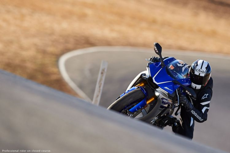 2016 Yamaha YZF-R1 bike motorbike motorcycle wallpaper
