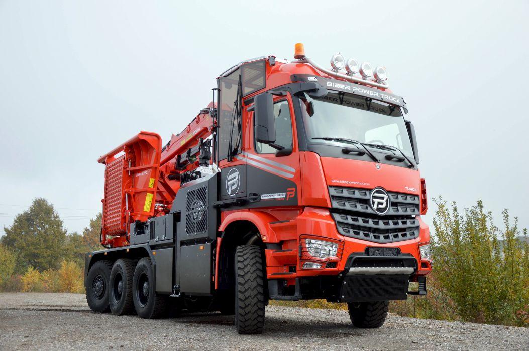 2015 Biber Power Truck Turox mit Biber 9-2 Holzhackmaschine construction crane semi tractor wallpaper