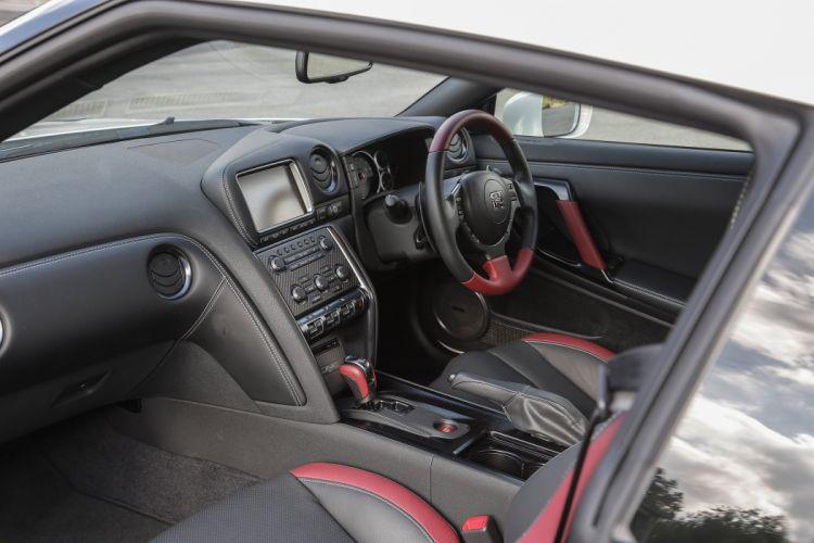 2015 Nissan GT-R Track-Edition UK-spec gtr supercar wallpaper