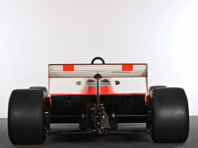 Mclaren F-1 formula race racing wallpaper