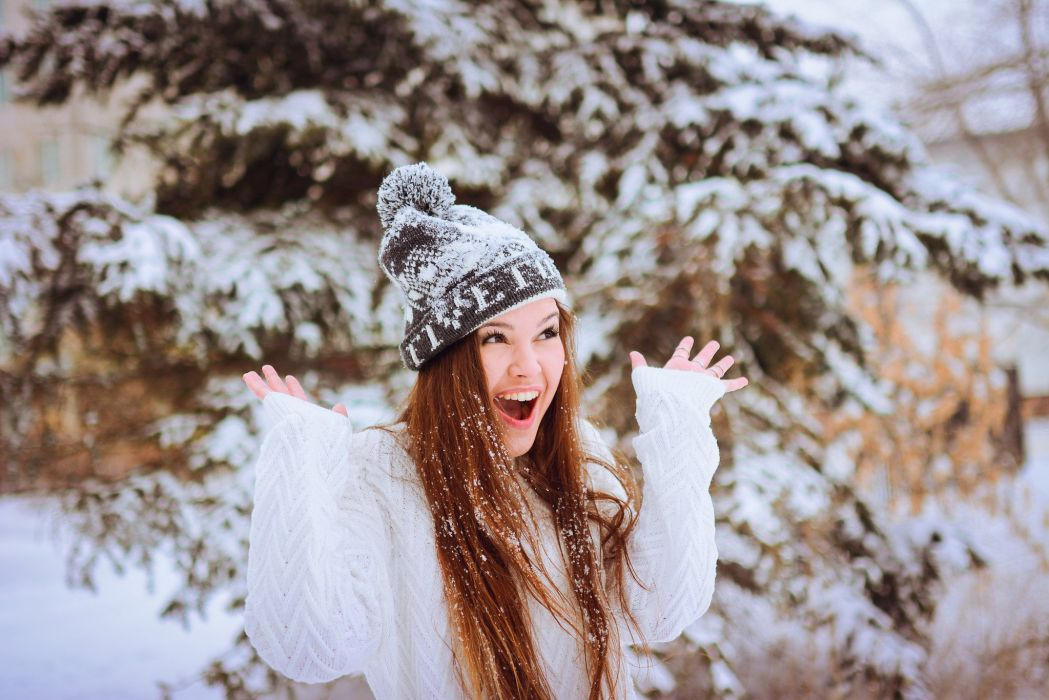 winter snow landscape nature girl mood happy wallpaper