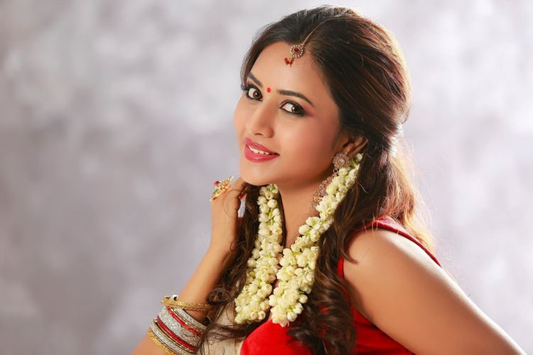 -Suza Kumar bollywood actress model girl beautiful brunette pretty cute beauty sexy hot pose face eyes hair lips smile figure indian wallpaper