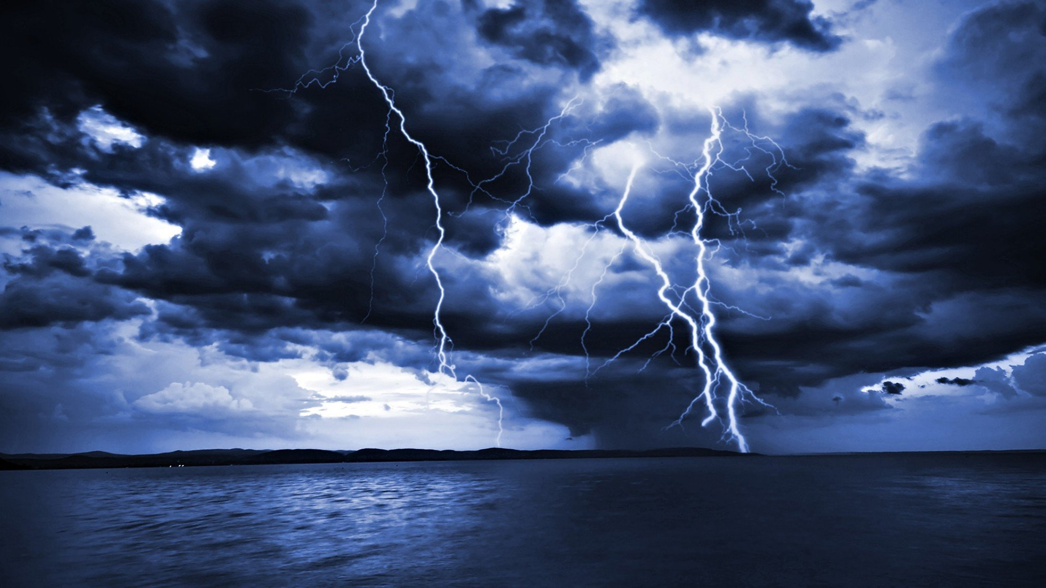 What are the different types of lightning? | MNN - Mother Nature ...
