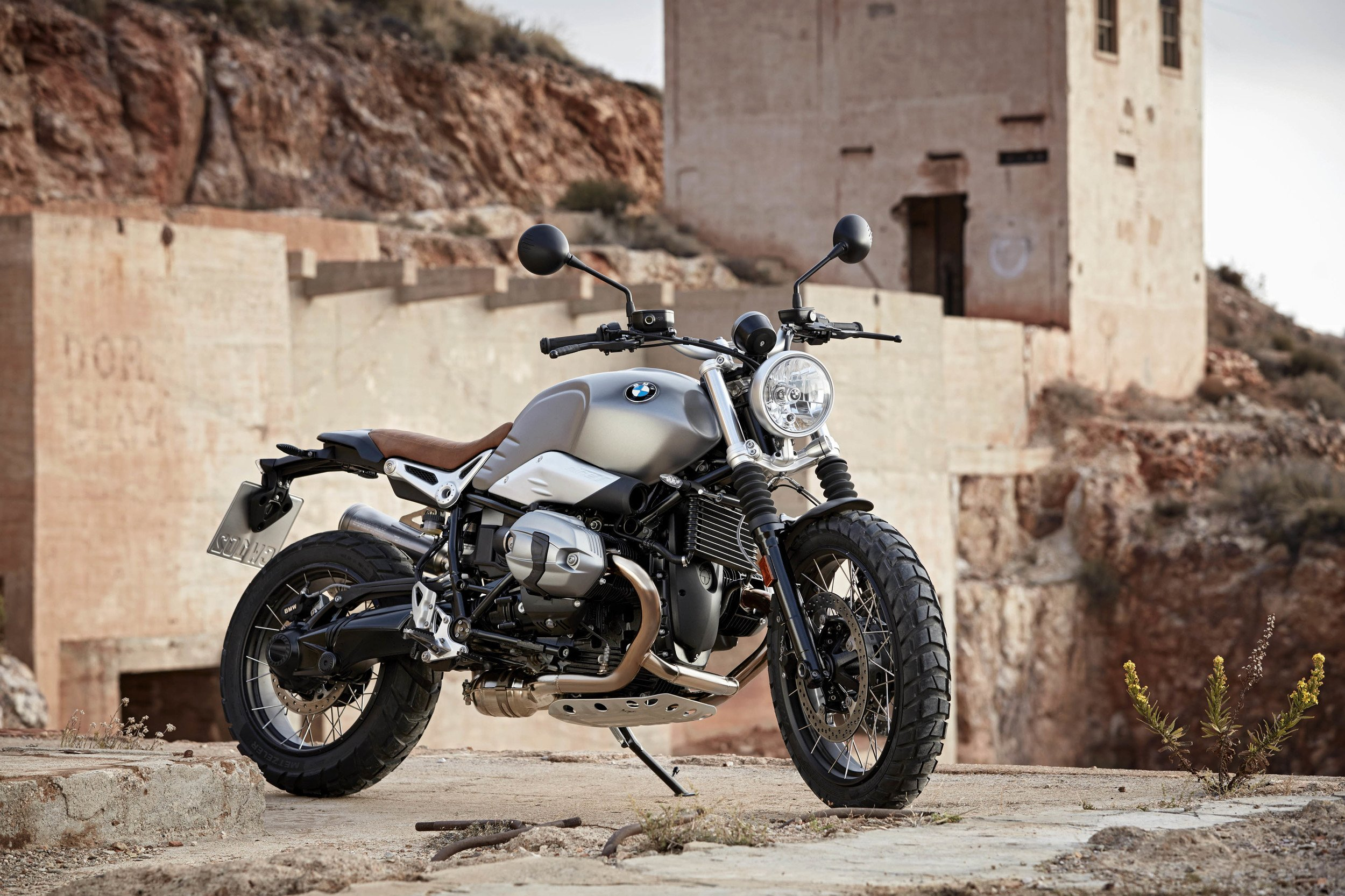 bmw reveals-r ninet scrambler 2016 motorcycles wallpaper | 2500x1666