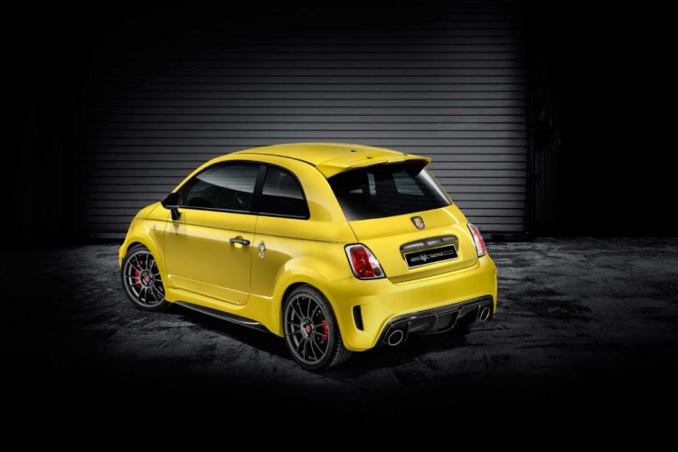Abarth 695 Biposto Record fiat cars yellow wallpaper