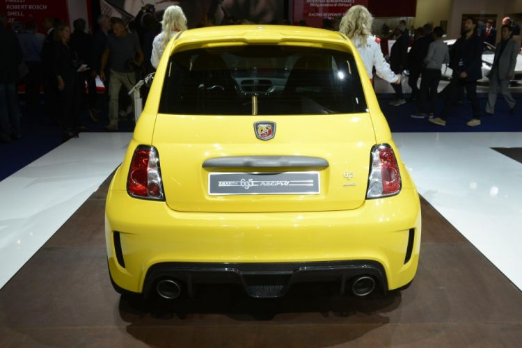 Abarth 695 Biposto Record fiat cars yellow wallpaper
