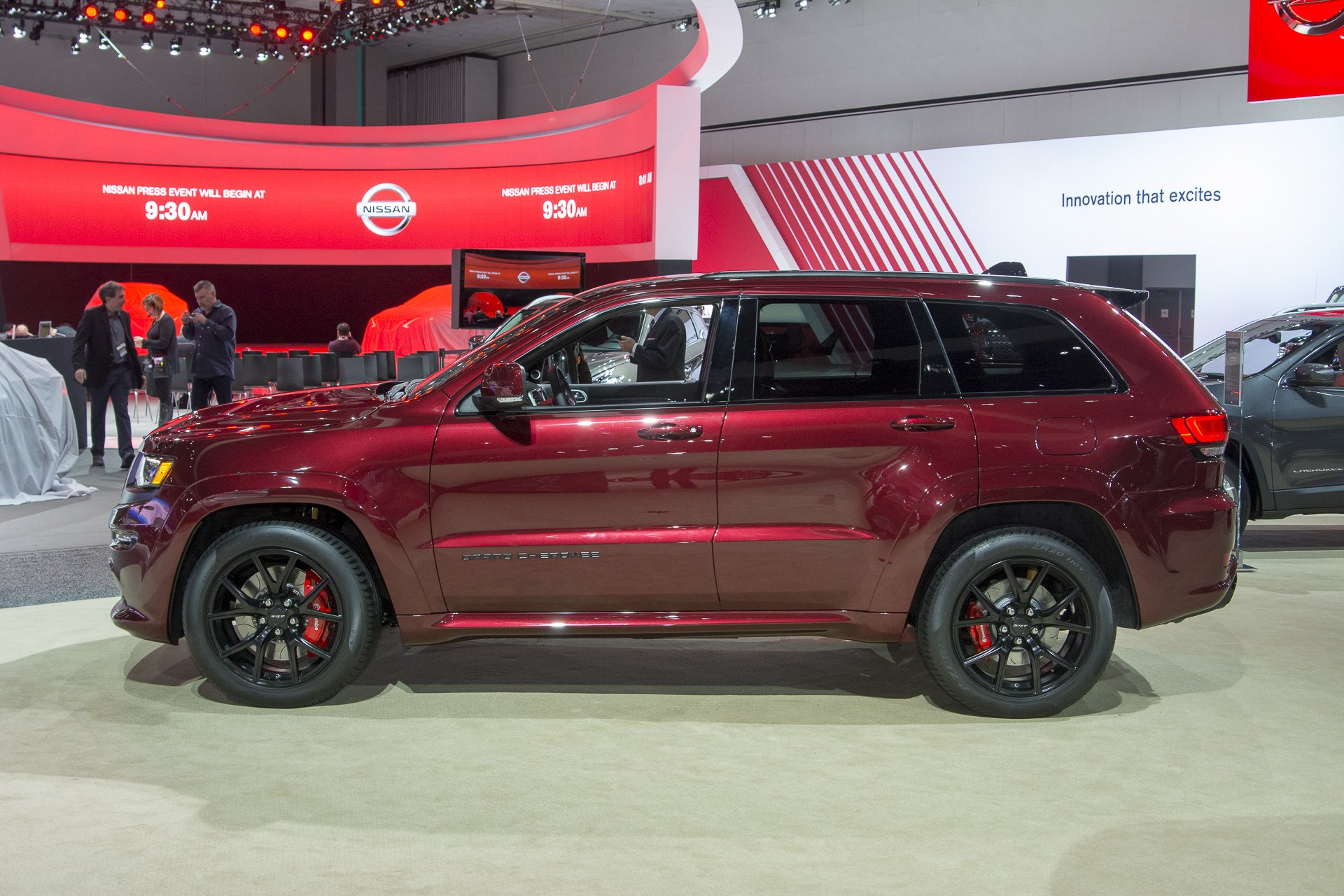 Popular 2016 Jeep Grand Cherokee SRT Night Cars Suv Wallpaper