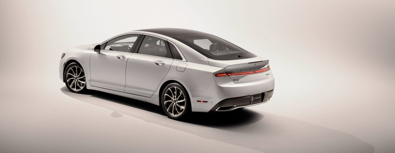 2017 Lincoln MKZ luxury wallpaper