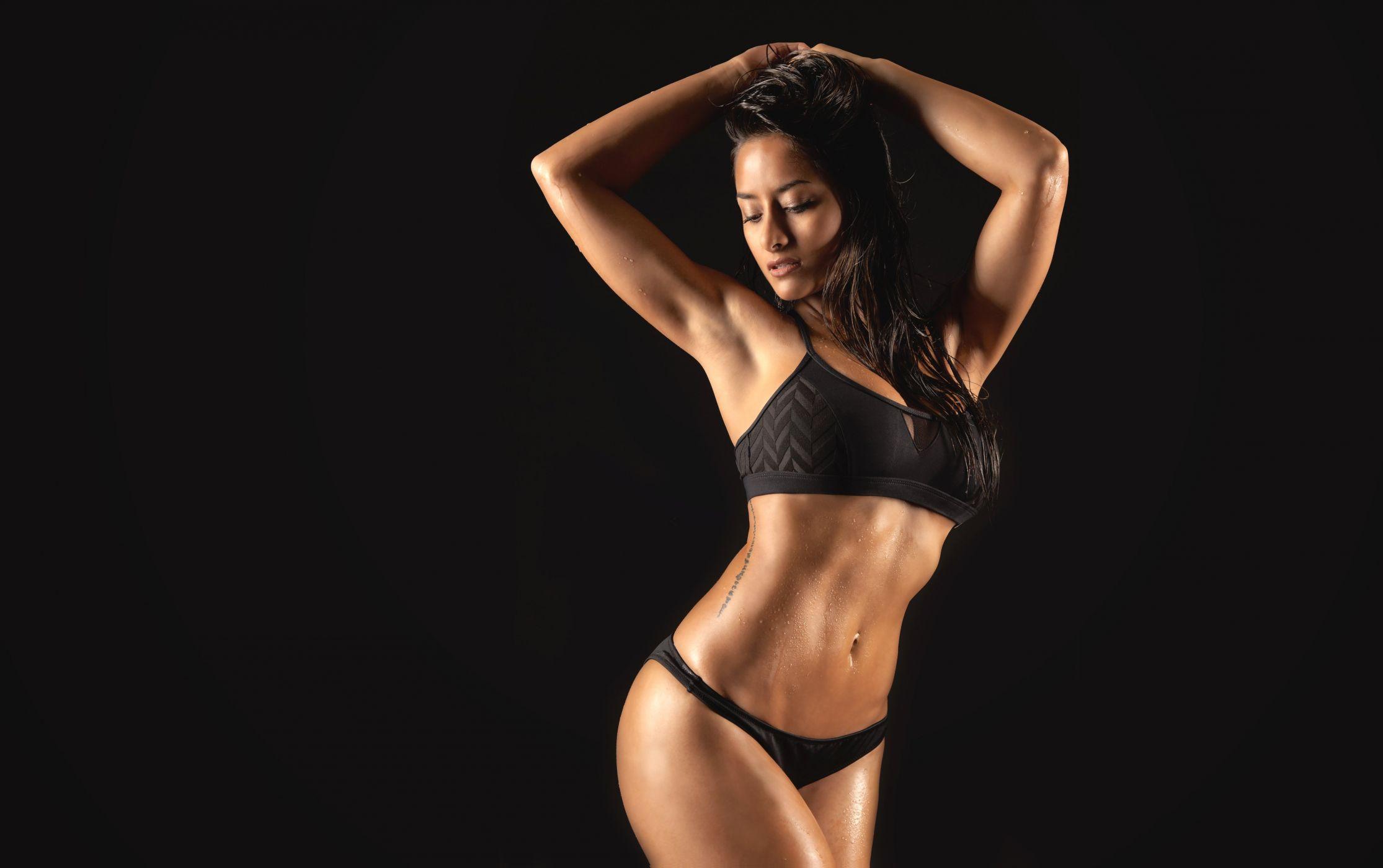 дворе красивые фигуристые девушки с шикарным телом полностью