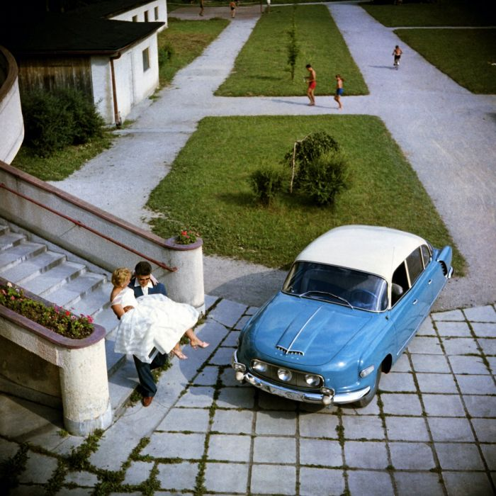 1956-59 Tatra T603 retro wallpaper