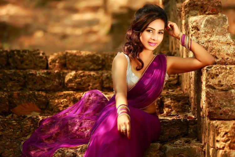 Suza Kumar bollywood actress model girl beautiful brunette pretty cute beauty sexy hot pose face eyes hair lips smile figure indian wallpaper