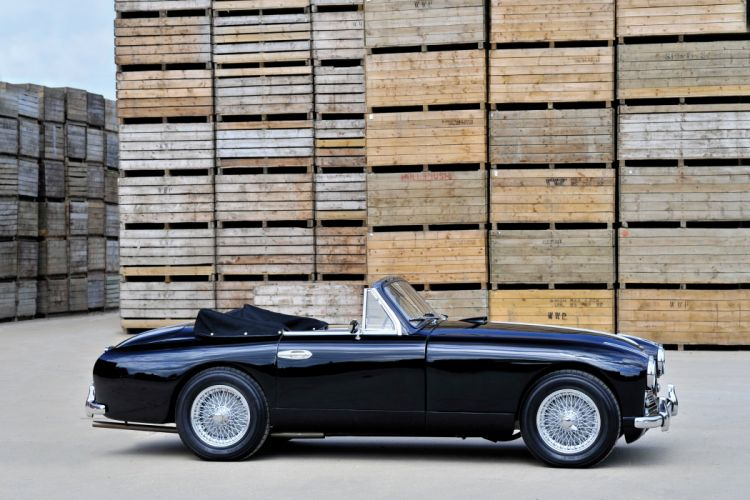 1951-54 Aston Martin DB24 Drophead Coupe UK-spec retro wallpaper