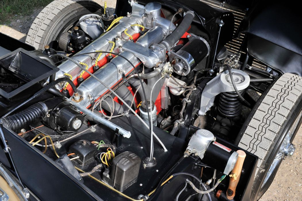 1951-54 Aston Martin DB24 Drophead Coupe UK-spec retro wallpaper