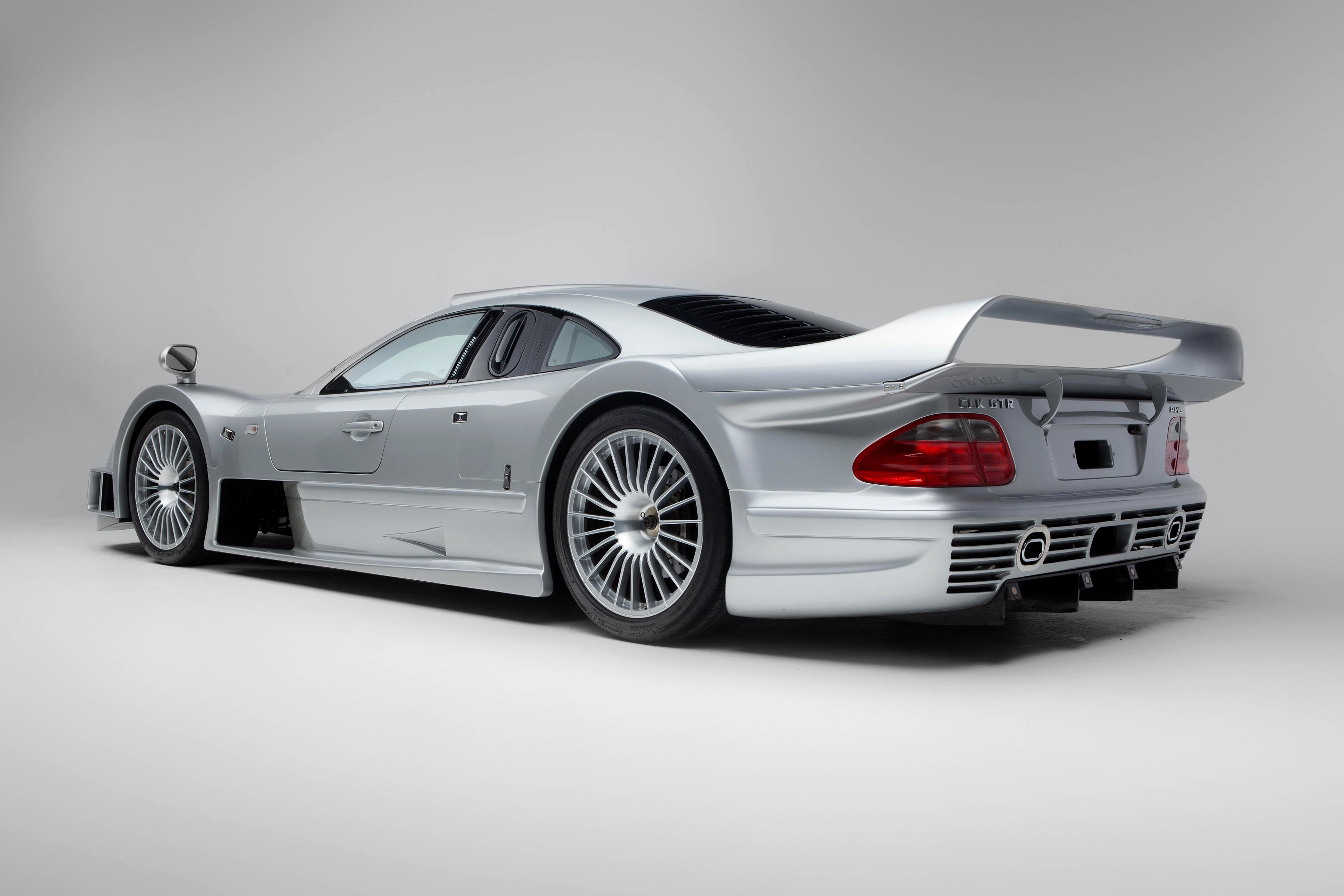 1997 99 mercedes benz clk gtr amg coupe strassenversion for Mercedes benz race