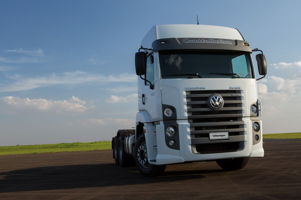 2014 Volkswagen Constellation Tractor 25-420 semi truck wallpaper