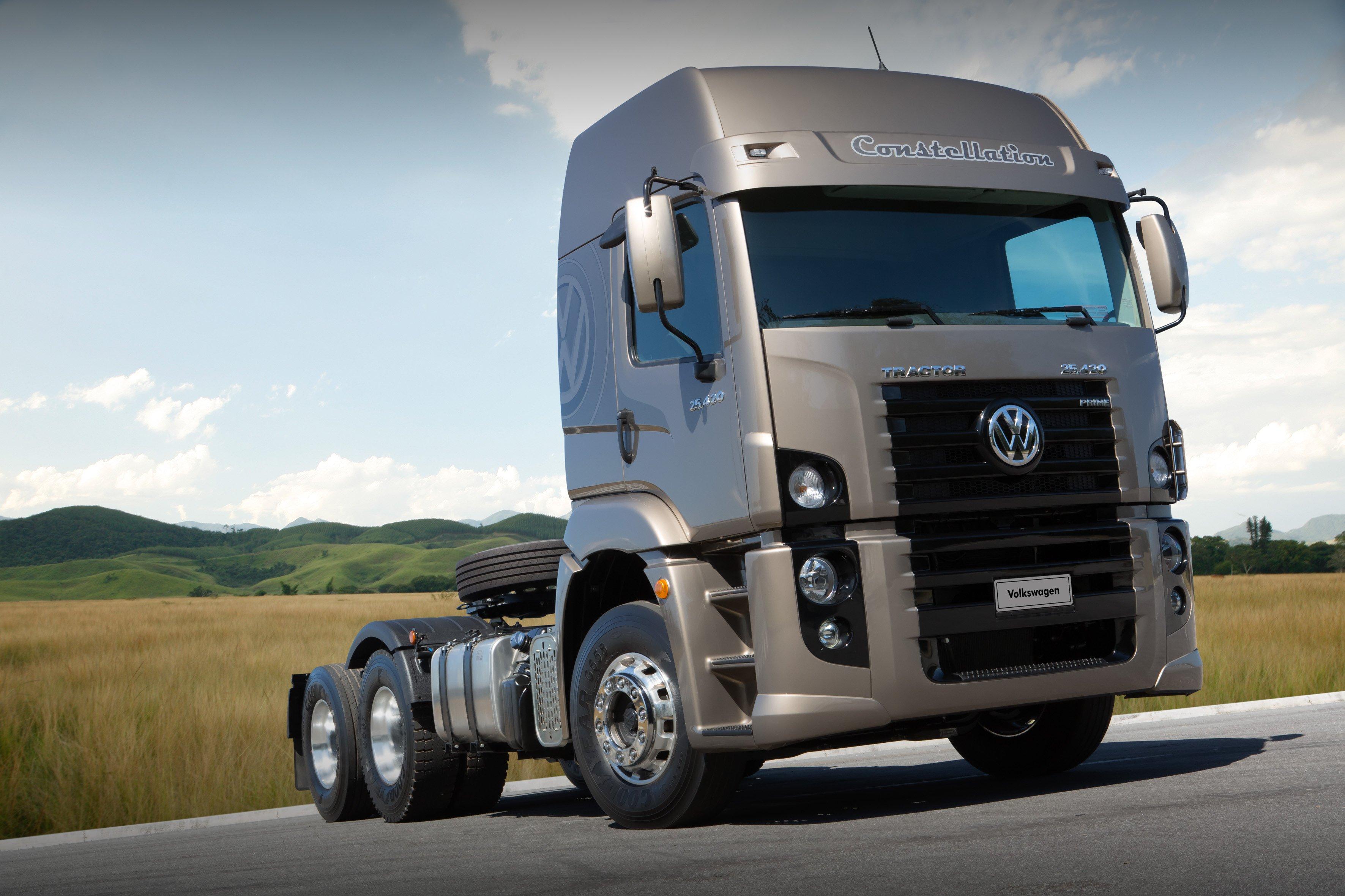 2014 Volkswagen Constellation Tractor 25 420 Semi Truck