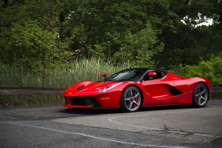 2014 Ferrari LaFerrari US-spec supercar wallpaper