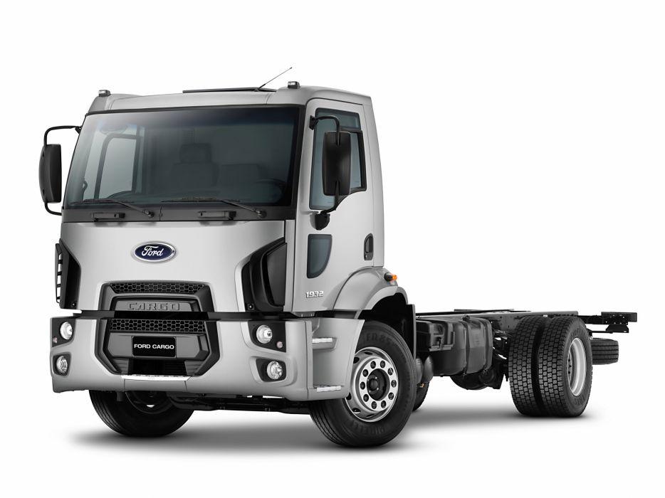 2014 Ford Cargo 1932 semi tractor truck wallpaper