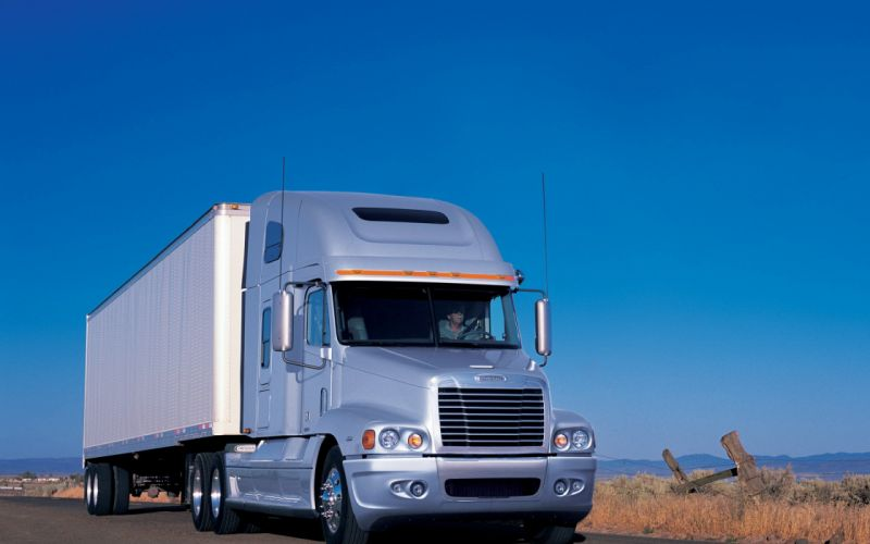 camion frigoririco blanco ruta wallpaper