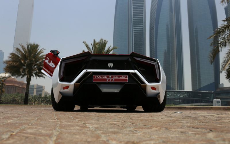 2015 Lykan Hypersport Abu Dhabi Police supercar emegency wallpaper