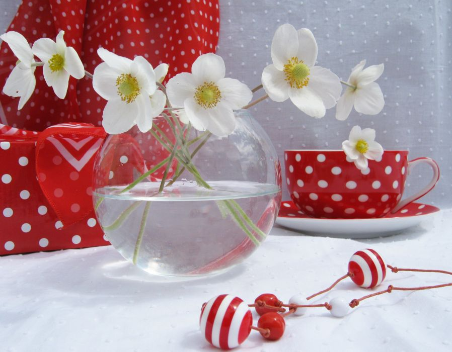 flowers beads a cup a positive mood wallpaper