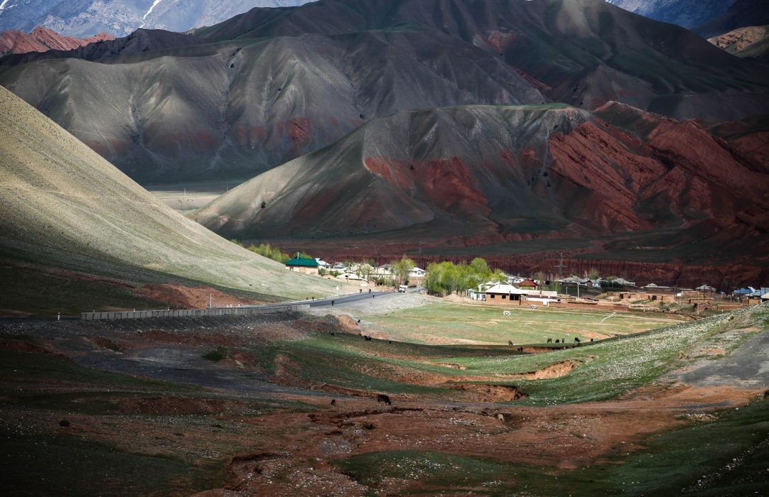 mountains valley road village view beautiful wallpaper