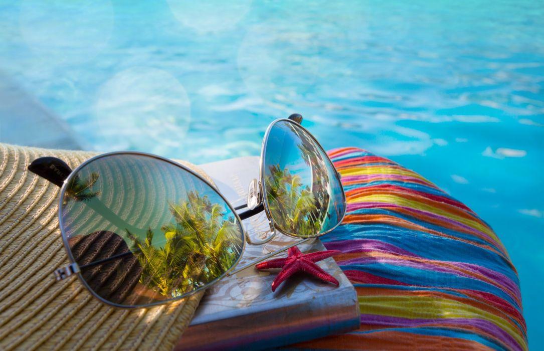 glasses reflection bokeh sun summer beach vacation wallpaper