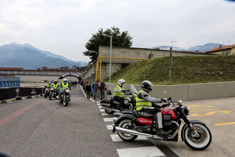 2016 Moto Guzzi Eldorado bike motorbike motorcycle wallpaper
